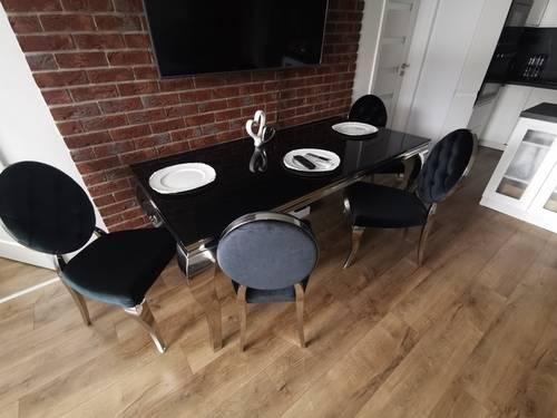 Jedálesnký stôl Rococo