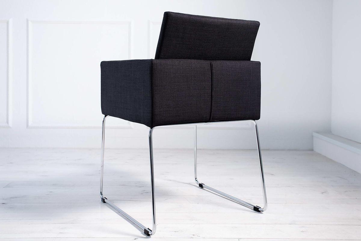 Stolička Officio čierna
