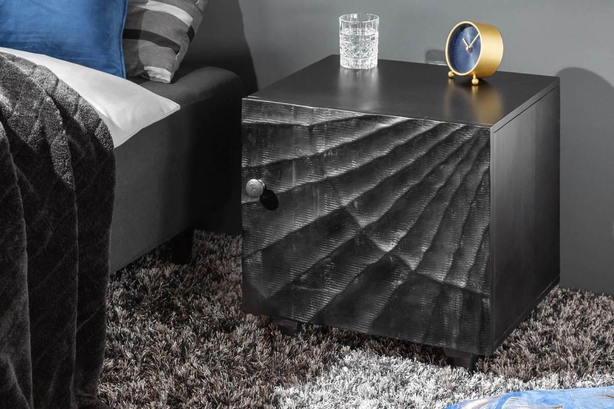 LuxD Dizajnový nočný stolík Shayla 50 cm čierne mango