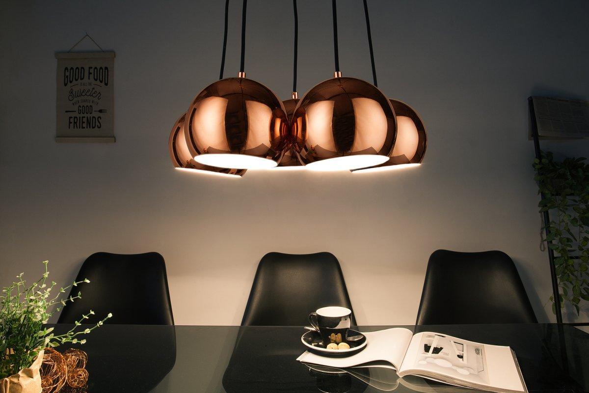Dizajnová závesná lampa Briella, zlatoružová